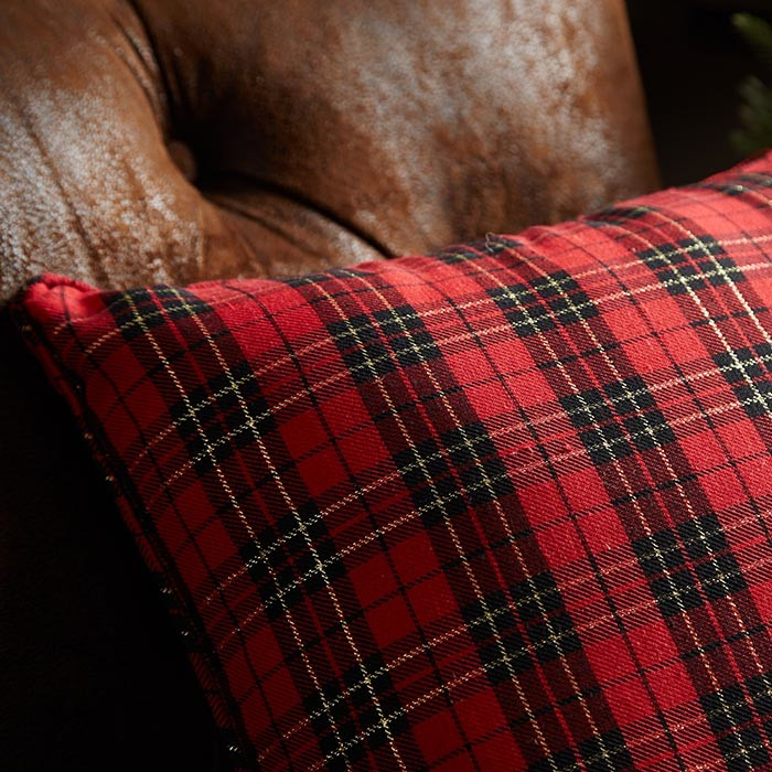 Holiday+Plaid+Throw+Pillow-3